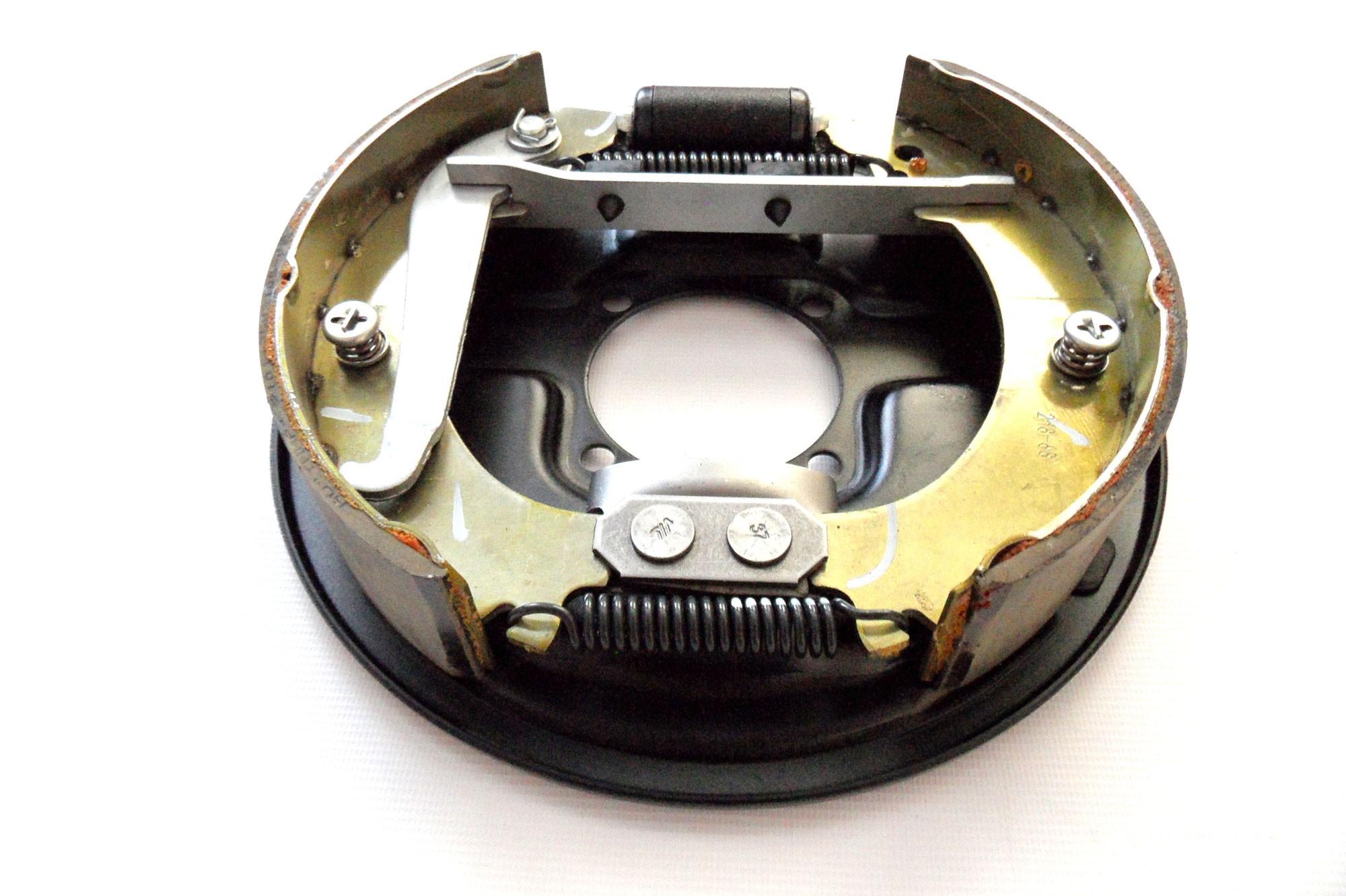 Lada Niva Rear Drum Brake Mechanism Assy Right