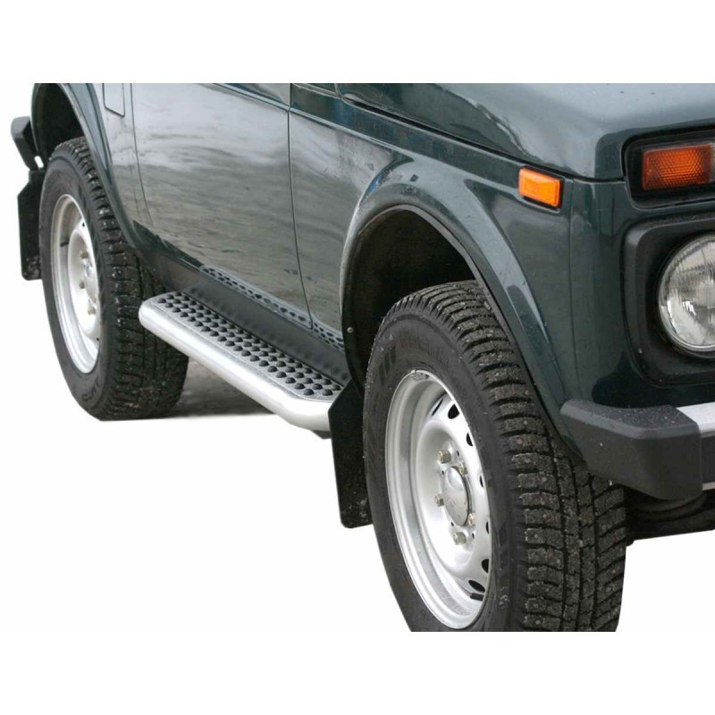 "Lada Niva Sidesteps Luxury ""Rubber exclusive"" 2121 21214 NIVA URBAN 4X4"